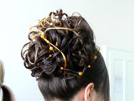 see also ucesy kratke vlasy uces polodlhe vlasy